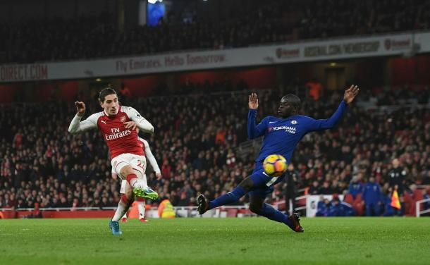 Bellerín dispara a gol en el 92. Foto: Arsenal