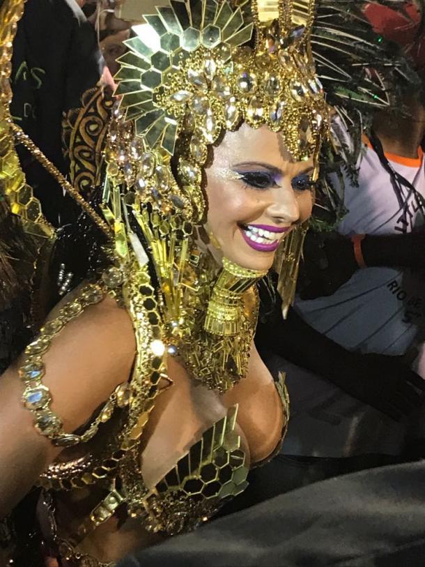 Viviane Araújo fantasiada de Hatshepsut (Foto: Luis Alves / VAVEL Brasil)