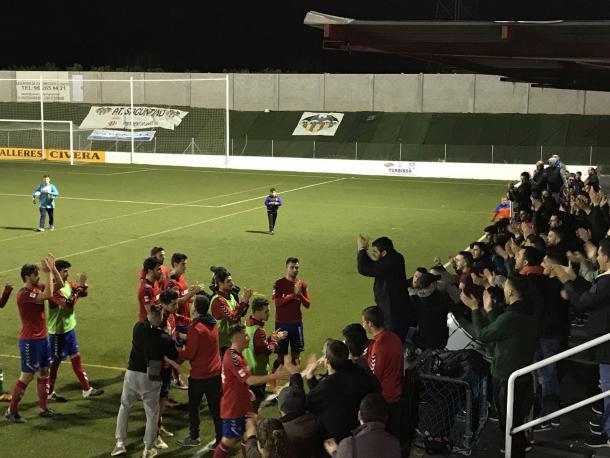 La afición entregada hasta al final en Sagunto (Foto: Atlético Saguntino)