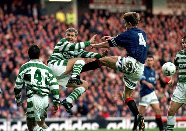 A rivalidade exacerbada do Old Firm repercute no campo; clássico é um dos mais faltosos (Foto: Getty Images)