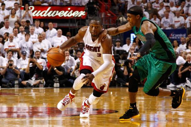 Wade ayudó a LeBron a imponerse. | Foto: Getty Images