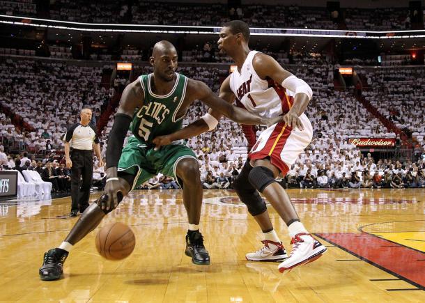 Garnett y Bosh fueron jugadores claves en la serie. | Foto: Getty Images