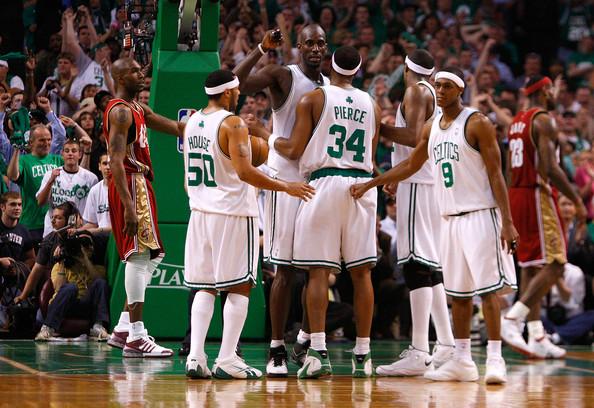 Los Celtics derrotaron a LeBron en su primer encuentro | Fotografía: Getty Images