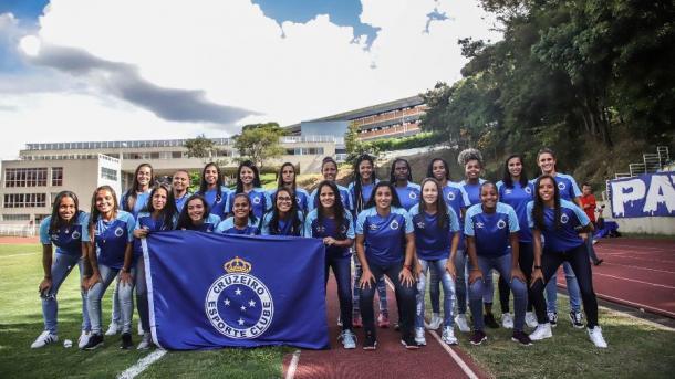 Além de Raiza, a Raposa apresentou o resto do elenco (Foto: Reprodução / Cruzeiro)