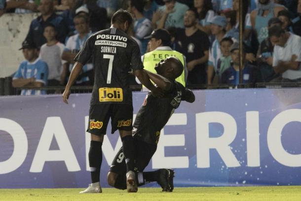 Love entrou no jogo e mudou a postura do Alvinegro (Foto: Agência Corinthians)