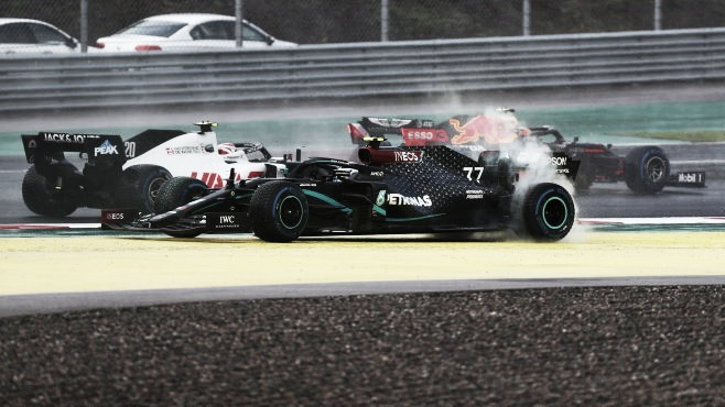 Trompo de Bottas en la salida (Fuente: F1.com)