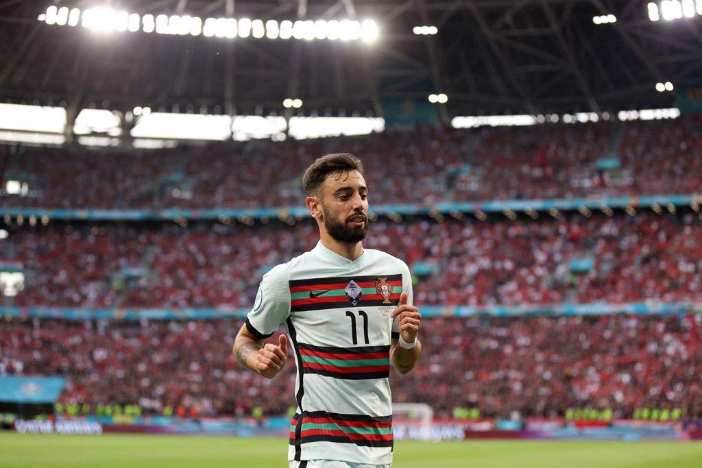 Bruno Fernandes estuvo opacado entre las líneas húngaras / FOTO: UEFA