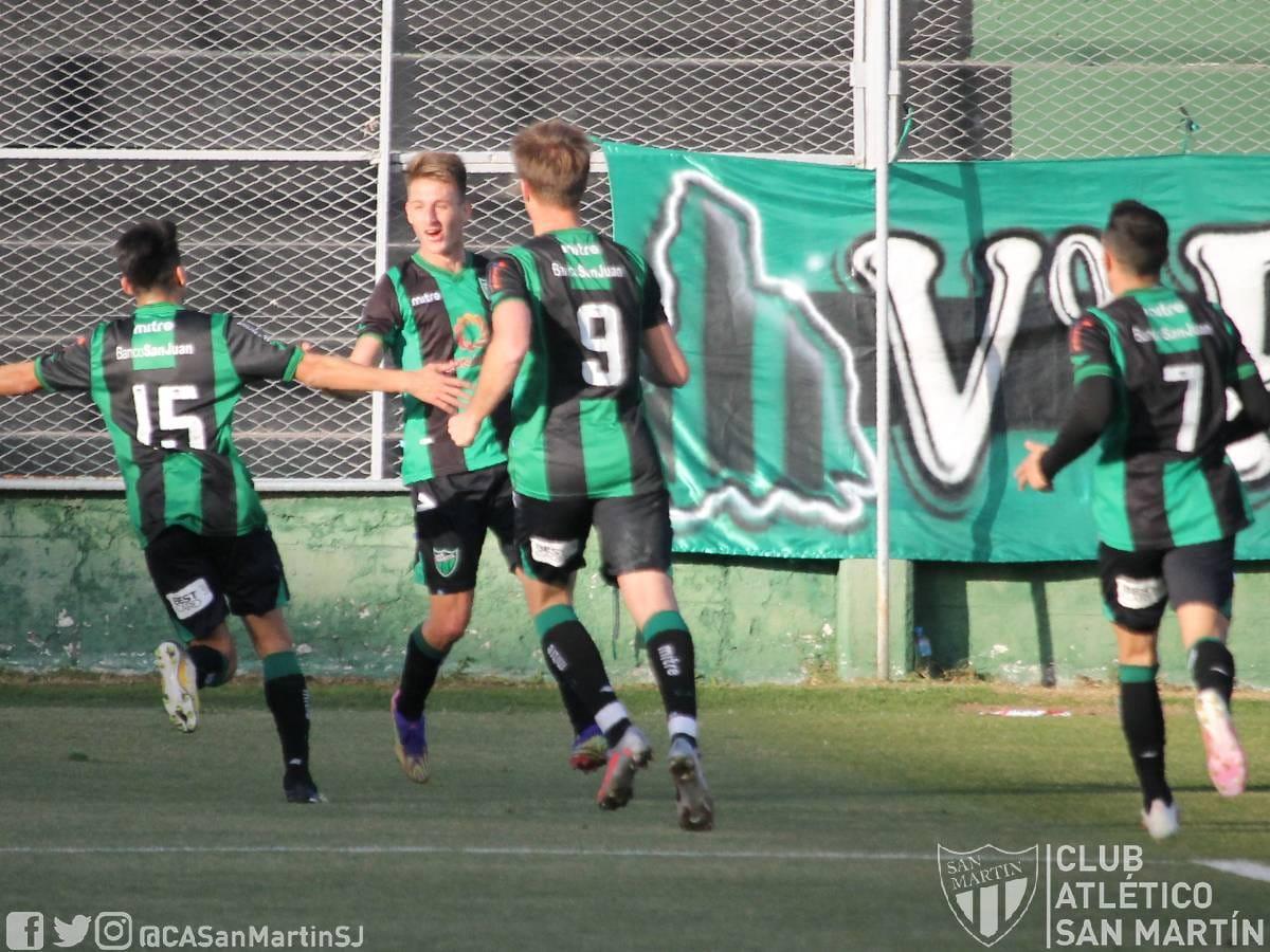 Matías Giménez es uno de los goleadores del santo sanjuanino | Foto: @CASanMartinSJ