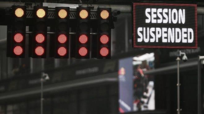 Bandera roja y carrera suspendida. (Fuente: f1.com)