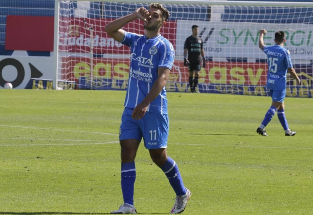 Martín Ojeda, celebrando su gol ante Gimnasia LP. Foto: <strong><a href='https://vavel.com/ar/futbol-argentino/2021/08/31/godoy-cruz/1084366-la-t-viene-por-bullaude.html'>Godoy Cruz.</a></strong>