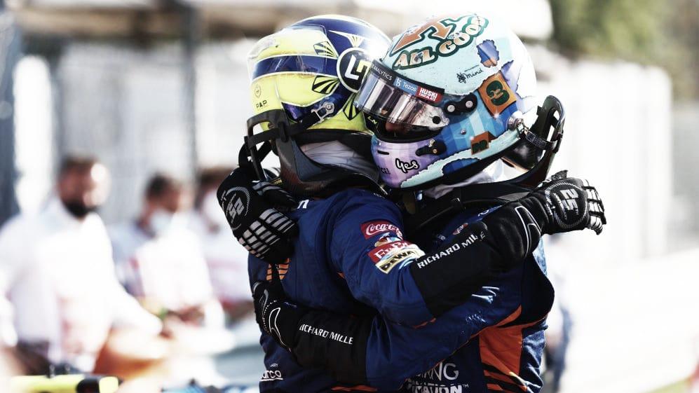 <b><a  data-cke-saved-href='https://vavel.com/es/data/daniel-ricciardo' href='https://vavel.com/es/data/daniel-ricciardo'>Daniel Ricciardo</a></b> y Lando Norris abrazándose tras el 1-2 de McLaren. (Fuente: f1.com)