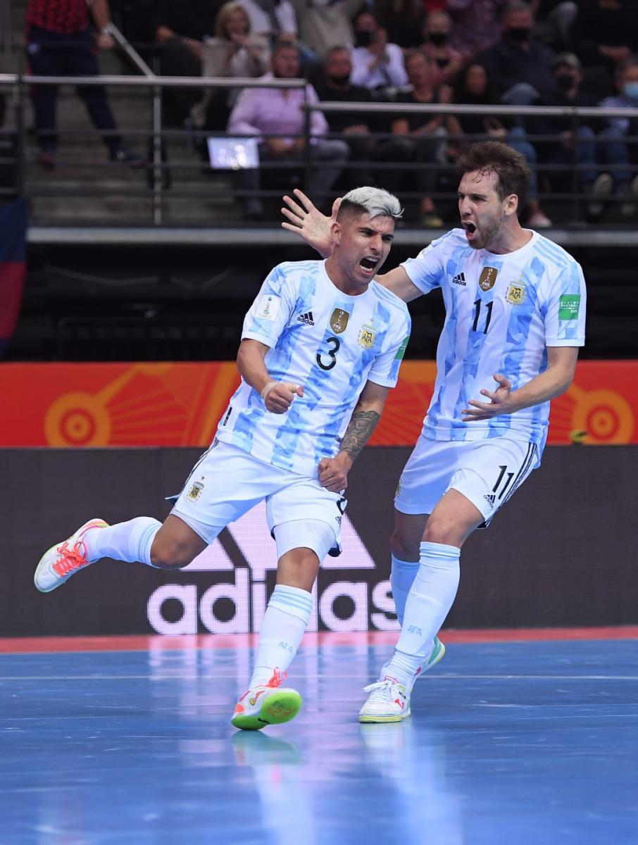 Ángel Claudino festejando el gol de descuento. Foto: Selección Argentina.