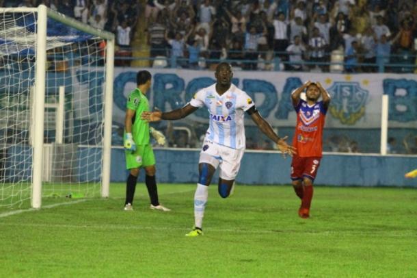 Autor de um dos gols contra Bragantino, zagueiro Diego Ivo é desfalque (Foto: Fernando Torres/Paysandu)