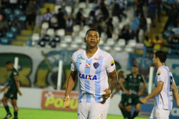 Walter se destacou na vitória com um gol e uma assistência para Cassiano (Foto: Fernando Torres/Paysandu)