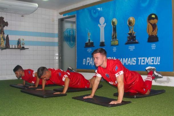 Meia inglês Ryan Williams vive expectativa de fazer estreia com a camisa bicolor (Foto: Jorge Luiz/Paysandu)
