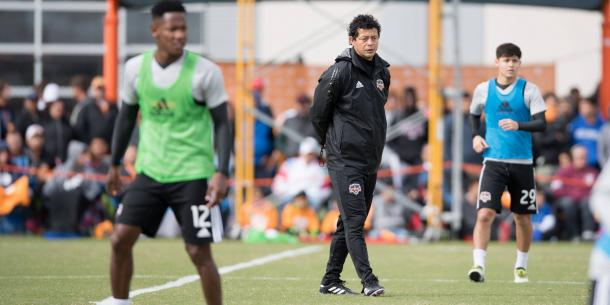Wilmer Cabrera studying his team during Houston Dynamo Open Practice | Source:@HoustonDynamo