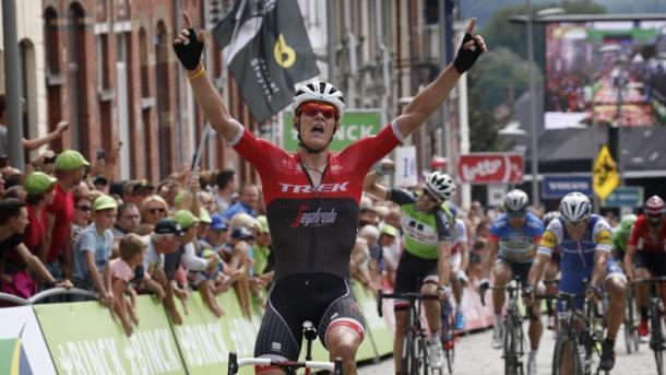Dos ganadores: Stuyven, etapa y Dumoulin, general.   Foto: BinckBank Tour