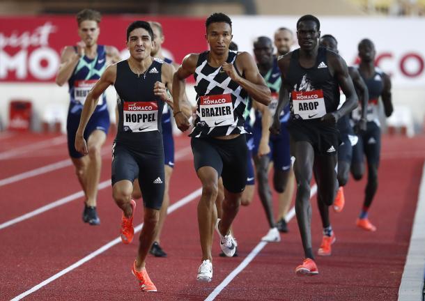 Donovan Brazier y Bryce Hoppel en los 200m | Foto: Twitter WorldAthletics