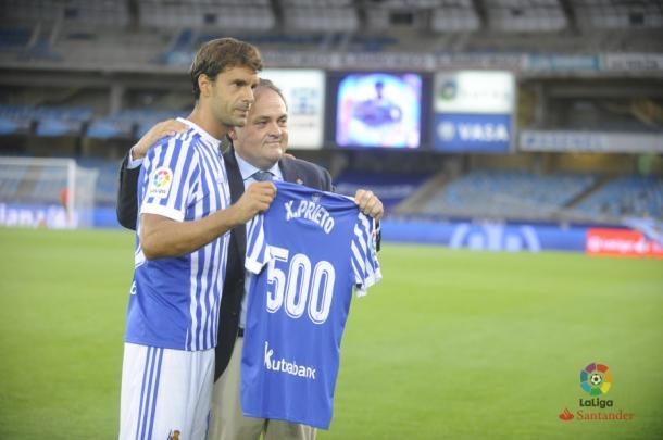 500 Noches de fútbol en los pies de Xabi Prieto. Fotografía: Web Oficial LaLiga.