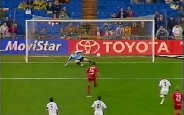 Sus primeros goles como profesional. Fotografía: Corazón Txuri-Urdin.