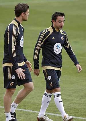 Las bajas de Xavi y Xabi variarán el juego español | Foto: EFE