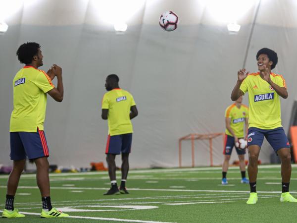 Yairo Moreno junto a Juan Guillermo Cuadrado en la Selección Colombia