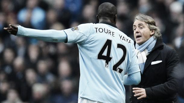 Yaya Touré e Mancini trabalharam juntos no Manchester City (Foto: Getty Images)