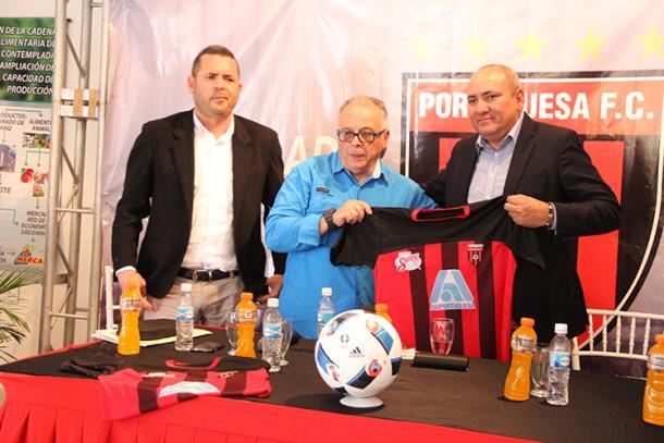 Carlos Horacio Moreno en su presentación con Portuguesa / FOTO: Portuguesa FC