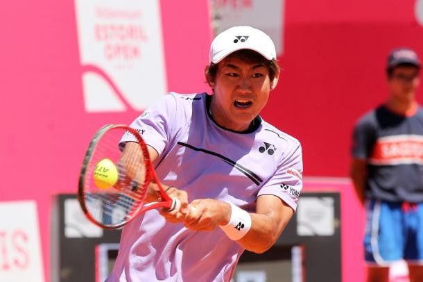Yoshihito Nishioka during his first round match. (Photo by Millennium Estoril Open)