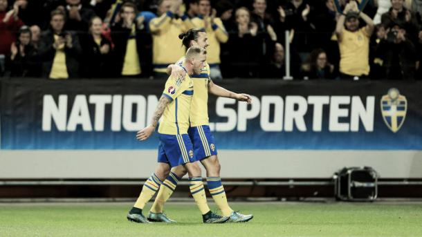 Above: John Guidetti with Manchester United target Zlatan Ibrahimovic in action for Sweden | Photo: Sky Sports