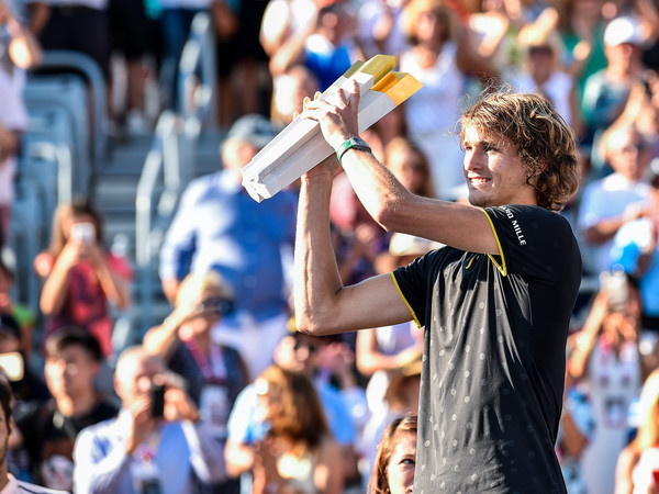 Sasha Zverev hoisted the trophy last year in Montreal. He will look to complete the Canadian double this week in Toronto. Photo: Minas Panagiotakis/Getty Images