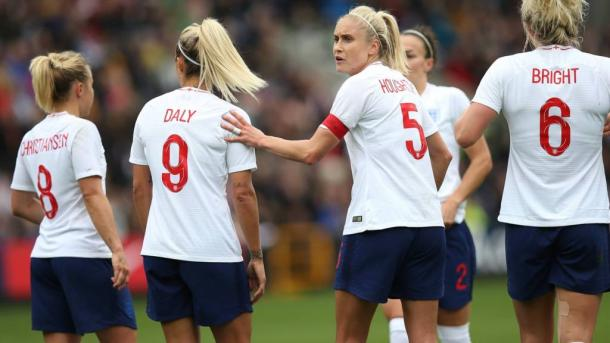 Steph Houghton will look to organize her backline thoroughly this summer | SOurce: bbc.com