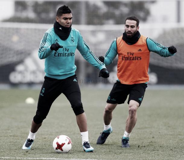 Casemiro y Carvajal en el entrenamiento previo al partido, con la intensidad como premisa tras la charla de Zizou | Foto: Real Madrid CF