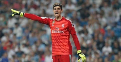 Courtois durante un partido del Real Madrid. Fuente: LaLiga