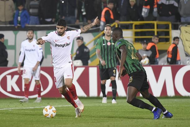 Ever Banega en el encuentro contra Akhisarspor | Foto: Sevilla FC