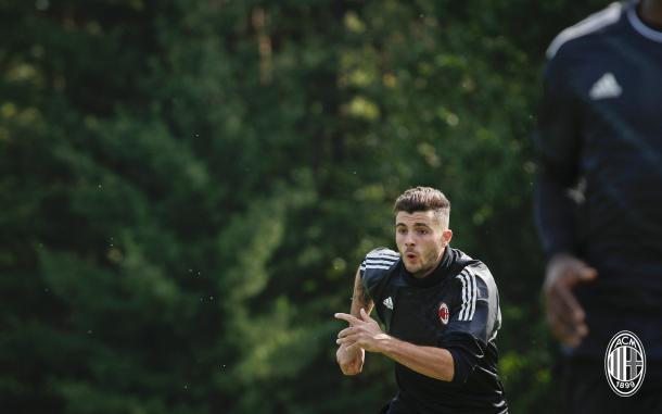 Artilheiro do Milan neste início de temporada, Cutrone deve ficar no banco (Foto: Divulgação/AC Milan)