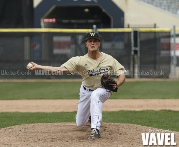 Pitcher Kyle Mallwitz (18). Photo: Walter Cronk