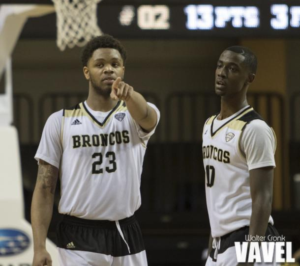Reggie Jones (23) and Thomas WIlder (10) figuring out who to cover at the end of the game. Photo: Walter Cronk
