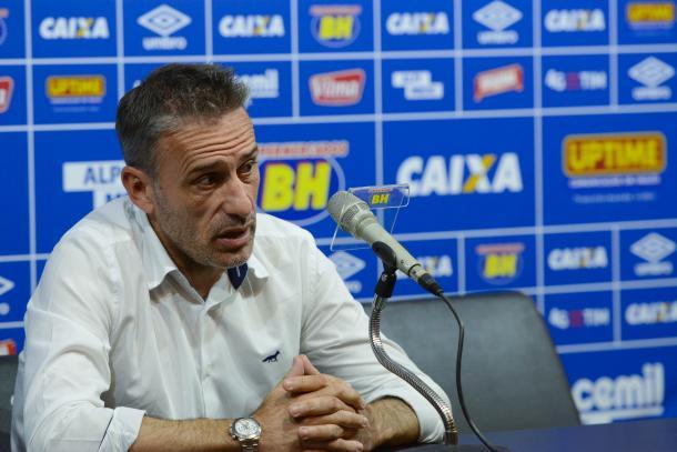 """Paulo Bento não conseguiu implementar """"padrão europeu"""" no Cruzeiro (Foto: Washington Alves/Light Press)"""