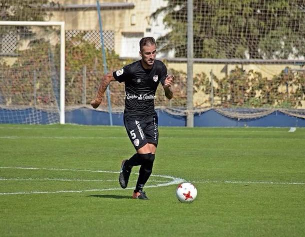 Josema en una acción en el partido ante el Atlético Malagueño | Foto: Fuente Luiska Garcia.