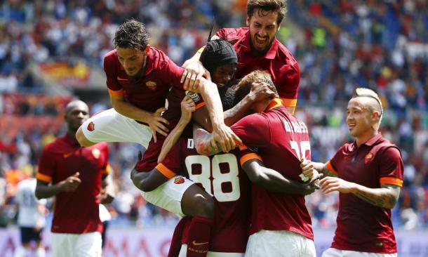 Uno degli ultimi confronti all'Olimpico tra Roma e Genoa. I precedenti parlano di una Roma super favorita. Fonte foto: corrieredellosport.it