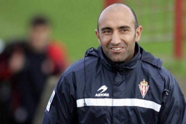 Abelardo, cuando entrenaba al Sporting