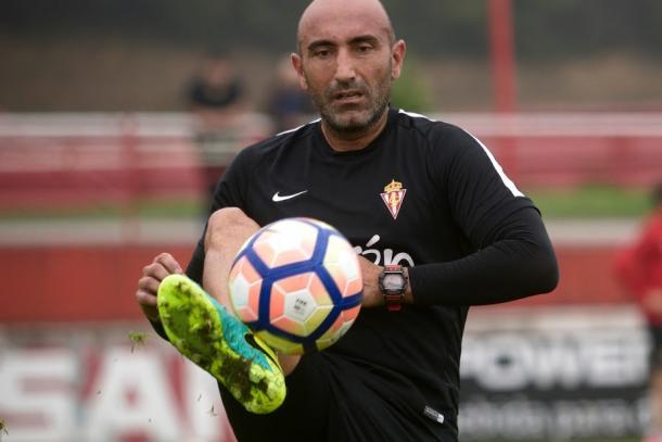 Abelardo en un entrenamiento del Sporting | Foto: Sporting de Gijón.