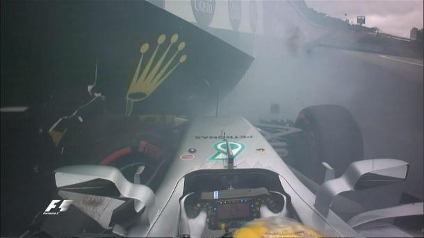 El momento del incidente de Lewis Hamilton | Fuente: @F1