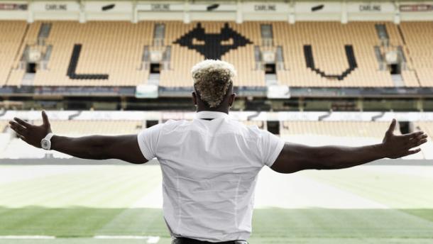 Adama Traoré en el Molineux | Twitter Wolverhampton Wanderers