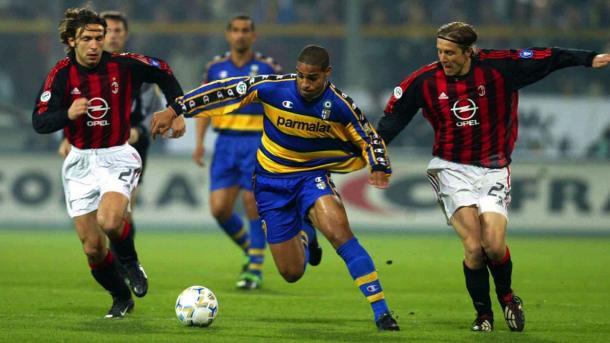 Adriano na época do Parma (Foto: Reprodução / Serie A Calcio)