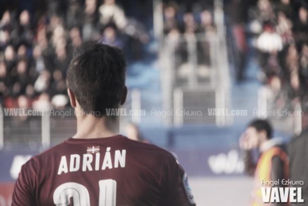 Adrián con la camisola del Eibar. | Foto: Ángel Ezkurra / Vavel