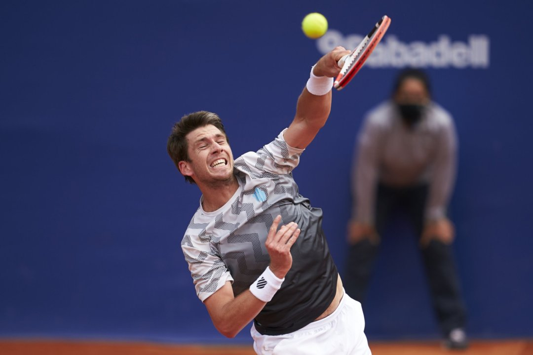 Norrie plays an overhead during his third-round match in Barcelona/Photo: Barcelona Open Banc Sabadell