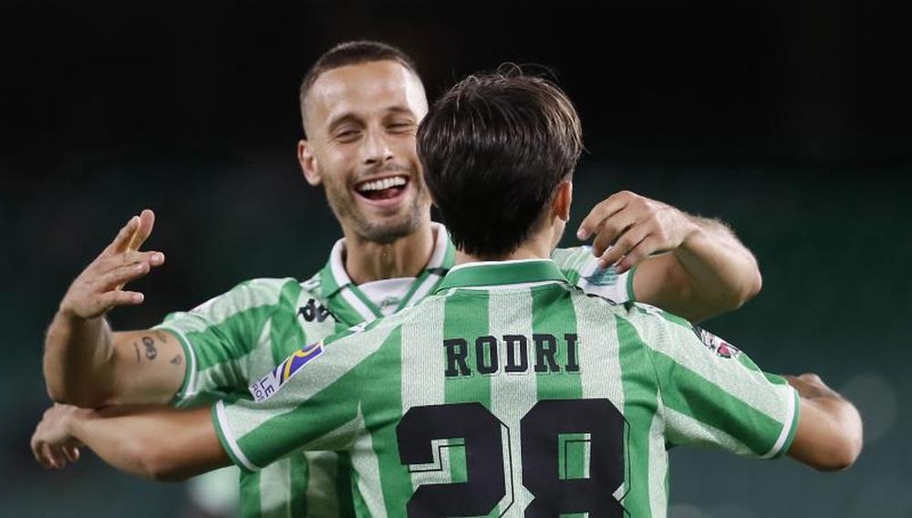 Canales y Rodri celebrando un gol/ Fuente: Agencia EFE