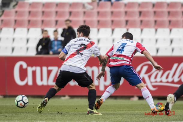 Salvador Agra fue el único jugador nazarí que creó peligro en la primera   Foto: LFP